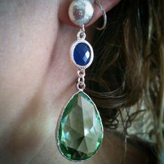Smart earrings with turkish crystal! #earrings #handmade #handmadejwels #handmadeearrings #orecchini #orecchinifattiamano #orecchino #fattoamano #crystal #cristallo #elisabijoux #green #blue #verde #blue