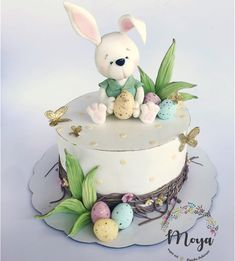 Easter cake by Branka Vukcevic Easter Cake Fondant, Easter Bunny Cupcakes, Easter Cookies, Fondant Cakes, Cupcake Cakes, Holiday Cakes, Occasion Cakes, Pretty Cakes, Creative Cakes
