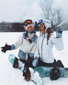 Image may contain: 2 people, snow and outdoor Snowboard Girl, Ski Season, Winter Pictures, Outfits, Besties, Ski Trips, Ski Ski, Friends, Snow Flakes