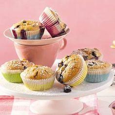 Muffins backen ist ganz einfach. Wir zeigen das beste Rezept für Muffins Schritt für Schritt im Video. Außerdem: Rezepte für Muffins mit Schokolade, Früchten und mehr.