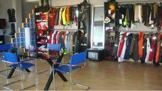 Vision general del muestrario de la ropa de equitación de MOUNTAIN HORSE en el Showroom de Rider Collection