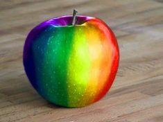 not a golden apple. a rainbow apple Rainbow Food, Love Rainbow, Taste The Rainbow, Rainbow Art, Over The Rainbow, Rainbow Colors, Rainbow Things, Rainbow Stuff, World Of Color