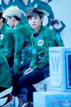 "Exo - Chanyeol ""Omg, he looks like a little baby elf <333"""