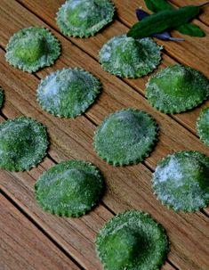 Büffelmozzarella-Ravioli | Foodblog | Kochgehilfin ähnliche tolle Projekte und Ideen wie im Bild vorgestellt findest du auch in unserem Magazin . Wir freuen uns auf deinen Besuch. Liebe Grü�
