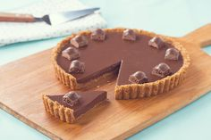 AERO Sweet n' Salty Pretzel Tart Sweet and salty make the most delicious combo, don't they?