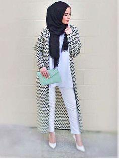 Pinterest: @eighthhorcruxx. Omaya Zeyn. Love the long cardigan and mint green clutch
