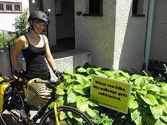 Raising Organic Family Farms grant recipient Kristy Allen of Beez Kneez Bicycle Delivered Honey and Community Bees on Bikes uses award to improve equipment and educate her community on the value of beekeeping! #beekeeping #pedalpowered