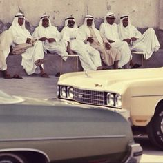 vintage cars, REORIENT magazine Vintage Photography, Amazing Photography, Saudi Arabia Culture, Joker Film, Wallpaper Tumblr Lockscreen, Middle Eastern Art, Star Illustration, Cultural Capital, American Classic Cars