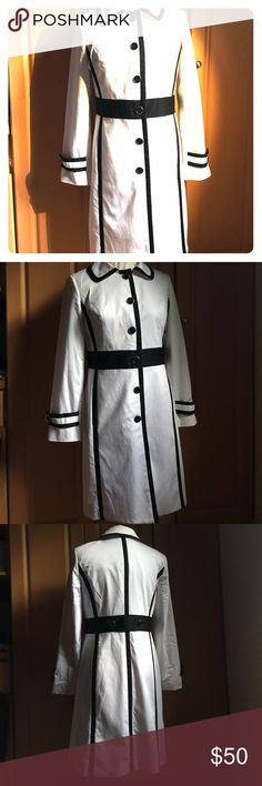 White trench coat with black piping by Alfani White trench coat with black piping by Alfani. Pre-owned but in great condition. Size 8. Cotton blend material.  Perfect for the girl that want to channel her vintage ladylike look! Alfani Jackets & Coats Trench Coats