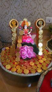 23 Clever DIY Christmas Decoration Ideas By Crafty Panda Mandir Decoration, Thali Decoration Ideas, Ganapati Decoration, Indian Decoration, Decor Ideas, Diwali Craft, Diwali Rangoli, Diwali Pooja, Hindus