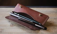 Leather pencil case | Cocuan | Handcrafted leather in Barcelona