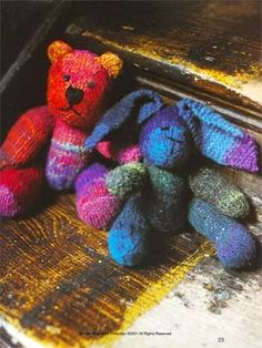 Another free pattern from Debbie Bliss - this one using one skein of Kureyon, by Noro. They are too cute!