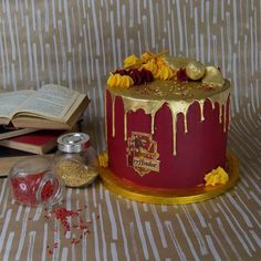 Gryffindor Harry Potter Cake - - Gryffindor Harry Potter cake Informations About Gryffindor Harry Potter Kuchen – - Harry Potter Desserts, Bolo Harry Potter, Gateau Harry Potter, Harry Potter Cupcakes, Harry Potter Birthday Cake, Harry Potter Food, Harry Potter Wedding, Harry Potter Theme Cake, Harry Potter Recipes