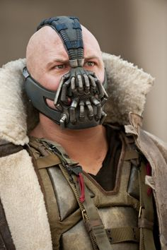 Tom Hardy is even pretty in the Bane mask!