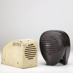 Radio Nurse and Guardian Ear, designed by Isamu Noguchi for Zenith Radio, 1937 Harlem Renaissance, Radio Record Player, Bauhaus, Music Machine, Art Deco, Isamu Noguchi, Vintage Appliances, Speaker Design, Ice Sculptures