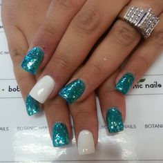 Botanic Nails they are so cute. I mean the two colors look sooooo good together