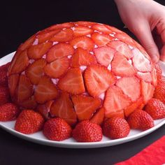 Strawberry dome a soft dessert with a lot of fruit pastel fresas mousse gel dessert Dome fresas Fruit gel lot Mousse Pastel Soft Strawberry is part of Desserts - Baking Recipes, Cake Recipes, Dessert Recipes, Fruit Recipes, Baking Ideas, Delicious Desserts, Yummy Food, Healthy Food, Healthy Recipes