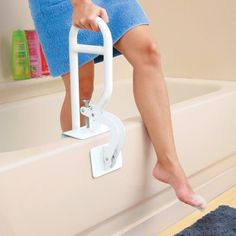 For those who like a little assistance getting in and out of the tub, this bath safety bar provides stability. This safety bar is constructed of tubular steel, extends up to and features rubber pads to prevent your tub from getting scratched. Disabled Bathroom, Handicap Bathroom, Shower Chair, Shower Tub, Ada Bathroom Requirements, Taylor Gifts, Bathroom Safety, Elderly Home, Mobility Aids