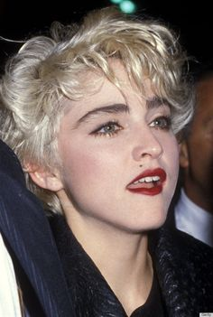On September 20 Madonna attended the Second Annual Commitment to Life Gala to Benefit AIDS Project Los Angeles at the Wiltern Theatre in Los Angeles, California. Madonna Hair, Madonna Music, Lady Madonna, 1980s Madonna, Madonna 80s Makeup, Madonna 80s Outfit, Veronica, Lady Gaga, Celebrity Eyebrows
