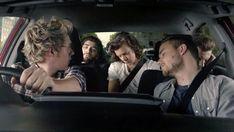 niall driving is hot like whoa