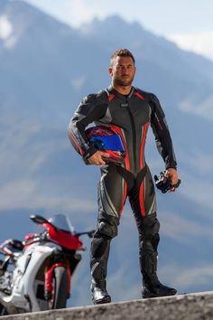 Bike Suit, Motorcycle Suit, Motorcycle Leather, Biker Leather, Leather Men, Racing Motorcycles, Motorbike Leathers, Biker Boys, Biker Gear