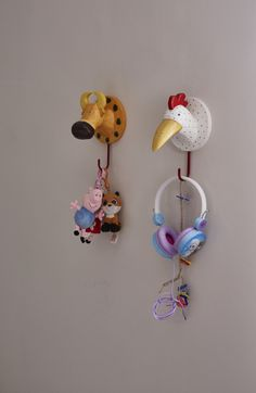 hooks_animals_wood