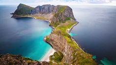 Cet été, je pars deux semaines en Norvège avec mon copain. Une semaine dans les îles Lofoten et une semaine dans les fjords. Choisir notre destination...