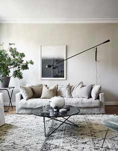 a neutral, earthy home living room Living Room Designs, Living Room Decor, Living Spaces, Bedroom Decor, Beige Sofa Living Room, Living Rooms, Earthy Home, Style Deco, Scandinavian Living