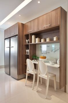 área de lanche na cozinha One Wall Kitchen, Kitchen Dinning, Kitchen Decor, Küchen Design, House Design, Interior Design, Small Apartments, Small Spaces, Dinner Room