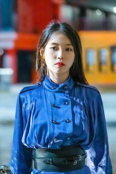 Luna Fashion, Fashion 2020, Girl Photo Poses, Girl Photos, Korean Girl, Asian Girl, Korean Idols, Kpop Fashion Outfits, Korean Outfits