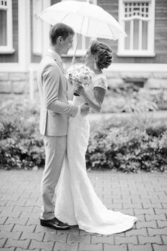 Rainy day wedding portraits | Anastasiya Belik Photography | see more on: http://burnettsboards.com/2014/04/romantic-rainy-day-wedding-portraits/ #rainyday #weddings