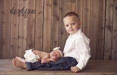 siblings  newborn photos..idea for Faith and the baby