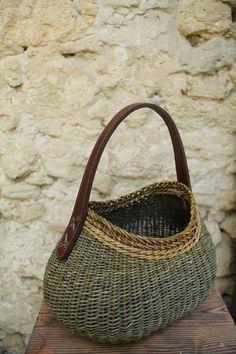 L'OSERAIE DE L'ILE Karen GOSSART et Corentin LAVAL - round reed - with handle