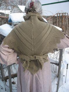 Free recreation of 1800s historical Danish shawl