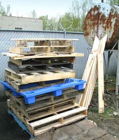 Everything you've ever wanted to know about PALLET WOOD / How to choose safely, how to prepare it, project ideas.