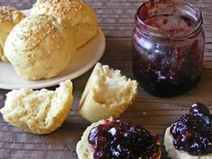 Bułeczki. Rolls Muffin, Rolls, Ice Cream, Bread, Breakfast, Desserts, Recipes, Food, No Churn Ice Cream