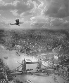 Sweet pic ofLondon from the sky in the 1920s Captain Alfred Buckham in his bi plane.
