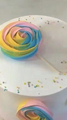 Cake Decorating Frosting, Cake Decorating Designs, Birthday Cake Decorating, Cookie Decorating, Elegant Birthday Cakes, Pretty Birthday Cakes, Homemade Birthday Cakes, Birthday Cake For Kids, Simple Birthday Cake Designs