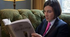 Donna Tartt reads, prefers the Pratt knot. It's some sort of double-t solidarity thing.