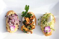 Crostinis, Vorspeisentrilogie mit Kürbis und Pfifferlinge, ein herbstlicher Appetizer oder Snack. Und hier ist das Rezept http://wolkenfeeskuechenwerkstatt.blogspot.de/2012/10/herbstliches-menu-1-vorspeisentrilogie.html