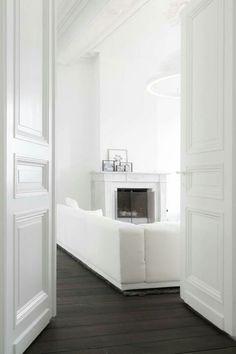 19 ideas living room dark wood floor white walls french doors for 2019 Interior Barn Doors, Interior Exterior, Interior Design, Brown Interior, White Rooms, White Walls, White Bedroom, Bedroom Modern, Dark Wooden Floor