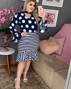 Ladies Day Dresses, Nice Dresses, Girls Dresses, Unique Outfits, Pretty Outfits, Vintage Outfits, Office Outfits, Work Outfits, Professional Outfits