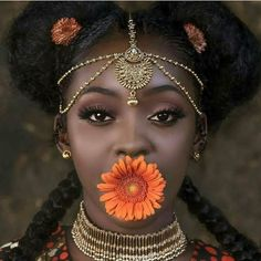 Natural Hair Queen, Black Beauty, Black Girl, Natural Hair Style, Dark Skin Make Up, Flowers