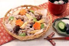 春の精進おこわ How To Boil Rice, Japanese Food, Food Inspiration, Grains, Tacos, Mexican, Ethnic Recipes, Japanese Dishes, Seeds