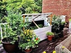 4 Invincible Tips AND Tricks: Modern Backyard Garden Outdoor Showers urban backyard garden terraces.Backyard Garden Layout Planters backyard garden vegetable how to grow. Large Backyard Landscaping, Small Backyard Gardens, Backyard Garden Design, Ponds Backyard, Rooftop Garden, Outdoor Gardens, Tropical Backyard, Landscaping Tips, Easy Garden