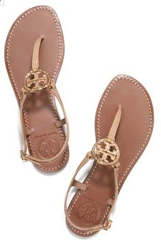 #ToryBurch sumer time sandals http://rstyle.me/n/iic7mr9te