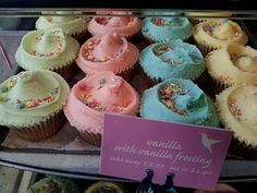 Hummingbird bakery #Cupcakes with #vanillafrosting
