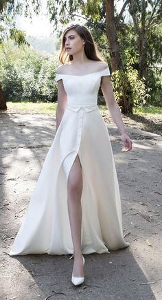 Helena Kolan 2017 Wedding Dress
