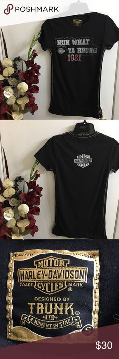 🖤Harley Davidson Women's Limited Edition Tee🖤 Women's Harley Davidson Trunk Limited Graphic T-Shirt. This Fabulous shirt has some stretch to it.  Bust measurements: Small - 15 inches Harley-Davidson Tops Tees - Short Sleeve