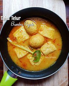 Resep telur santan © 2020 Instagram/@byviszaj ; Instagram/@iaalamsyah79 Indonesian Food, Thai Red Curry, Menu, Diet, Health, Ethnic Recipes, Instagram, Faces, Indonesia